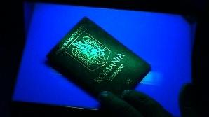 CIP-ul din paşapoartele biometrice stochează amprenta şi imaginea facială