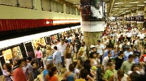 O garnitură de metrou a rămas blocată la staţia Timpuri Noi/ FOTO: grupRC