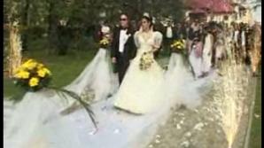 Naşii au fost aduşi cu  elicopterele  la o nuntă de romi, la Târgu Jiu
