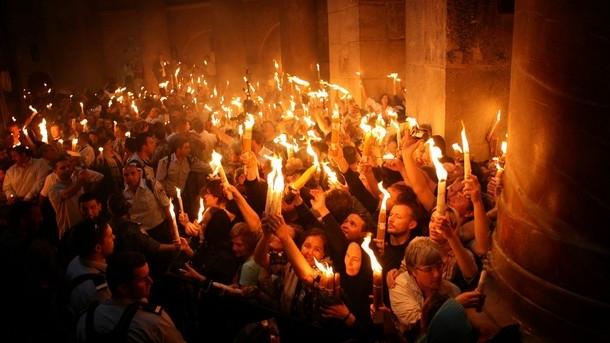 Lumina Sfântă a fost aprinsă laerusalim