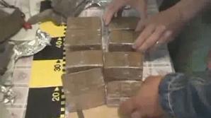 Doi vasluieni au fost arestaţi şi sunt cercetaţi pentru trafic, deţinere şi comercializare de droguri de risc