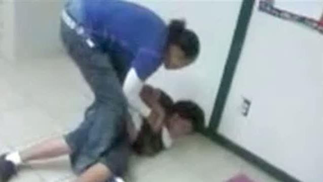 Copil bătut cu bestialitate de către profesoara sa