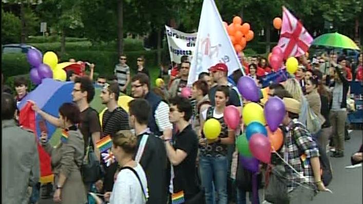 Manifestanţii români au fost însoţiţi la Parada Gay de angajaţii Ambasadei Britanice