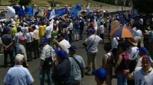 PSD şi PNL i-au răcorit pe manifestanţi