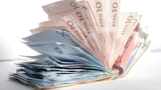 Prăbuşirea euro-ului ar antrena un dezastru financiar.
