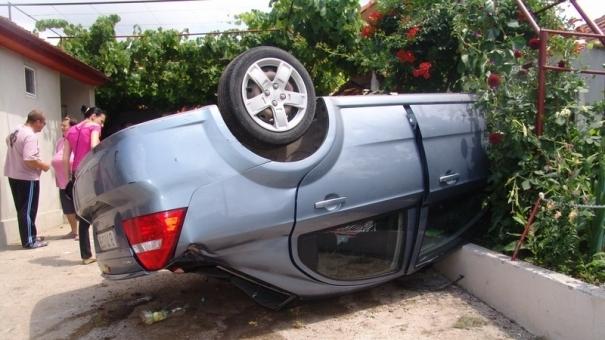 Patru oameni au ajuns la spital în urma accidentului