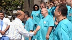 Fiecare vizită a lui Băsescu la spital se termină cu speculaţii