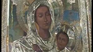 Se spune Icoana Maicii Domnului de la Kiev îi însănătoşeşte pe cei bolnavi