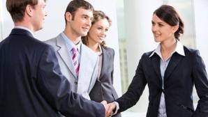 Unu din zece români ar lucra într-o firmă care nu acţionează etic dacă ar primi un salariu motivant