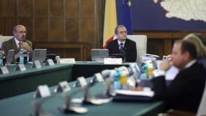 Membrii Coaliţiei discută cu cărţile pe masă despre viitorul Guvernului / Foto: gov.ro