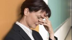Femeile care devin mămici pierd curs salariilor cu bărbaţii
