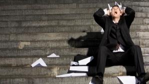 Mai puţine concedieri decât angajări în 2012