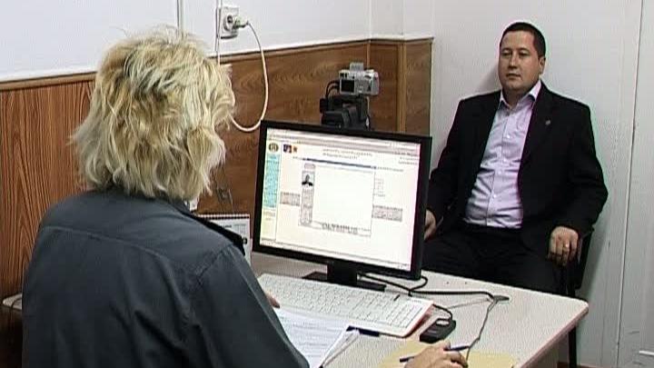 Românii vor putea alege între buletinul cu cip, cel cu cip şi amprentă digitală sau cel clasic