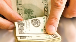 Angajatorul poate fi obligat să plătească daune materiale semnificative unei persoane pe care a concediat-o în mod abuziv