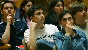 Una din trei firme angajează peste 70% dintre tinerii stagiari
