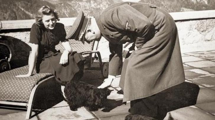 Eva Braun, Hitler şi câinii lui / FOTO: LIFE