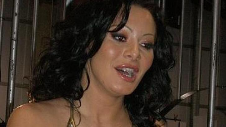 Maria Popescu, alias Sandra Romain, din Timisoara, are 33 de ani si este una dintre cele mai cunoscute actrite porno romance la export