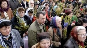 Credincioşii participă la un pelerinaj în Capitală
