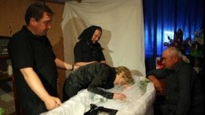Fetiţa noartă de la o injecţia a fost condusă pe ultimul drum