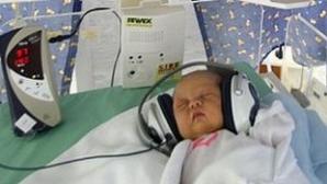 Efectul Mozart: Le-au pus muzică clasică bebeluşilor pentru a-i linişti