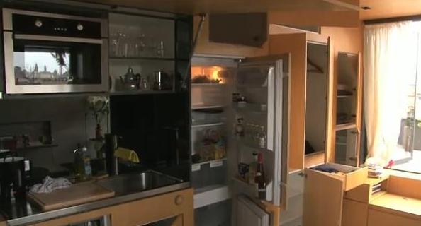 Garsonieră unde toată mobila este încastrată