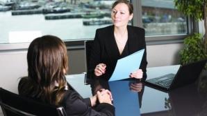 Ce caută angajatorii în CV-ul tău! Greşeli care te scot din cursa pentru un job