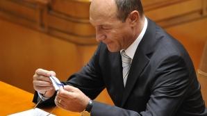 Băsescu a trimis Parlamentului proiectul de revizuire a Constituţiei