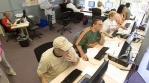 Statul la birou pentru ore în şir dăunează sănătăţii / FOTO: oregonlive.com