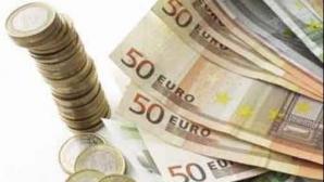 Cursul a coborât sub 4,3 lei/euro