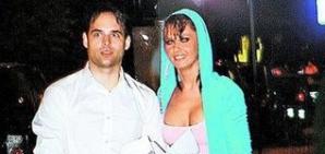 Oana Zavoranu spune despre Michael Maciuca ca o curteaza foarte romantic
