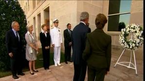 George W. Bush a depus o coroană de flori la Pentagon în memoria vctimelor atentatelor