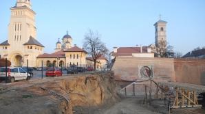 Lucrarile din zona Catedralei Reîntregirii au redus suprafața manifestărilor