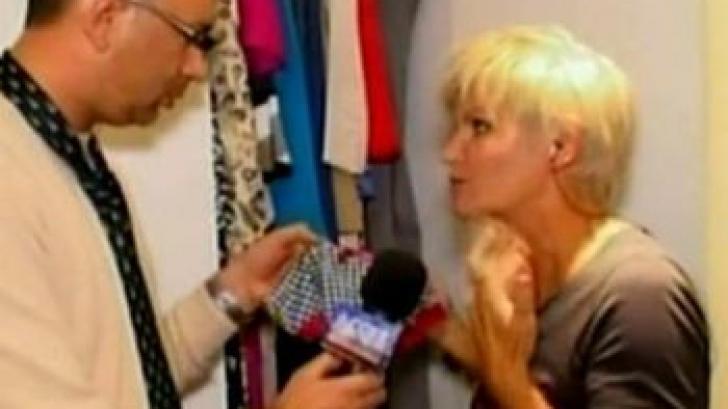 Monica Tatoiu își arată chiloții