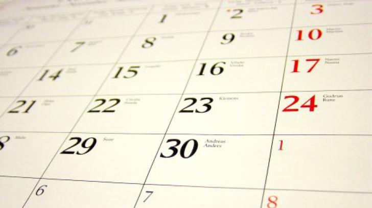 Unii elevi au liber de 2 decembrie, alţii - nu