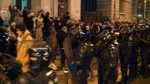 Sute de studenţi, în marş spre Piaţa Universităţii