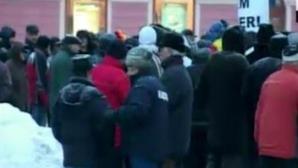 Zeci de braşoveni au ieşit în stradă.