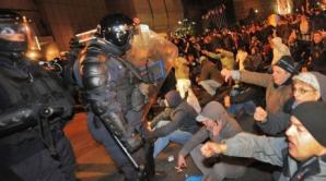 Jandarmii au uitat uneori să facă diferenţa între jurnalişti şi protestatari