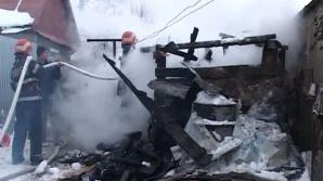Pompierilor le-a îngheţat apa pe furtun