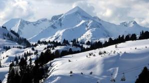 BLOCAŢI ÎN AUSTRIA: Nouă turişti români, izolaţi din cauza zăpezii