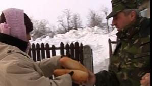 Ajutoarele au ajuns în Săgeata, judeţul Buzău