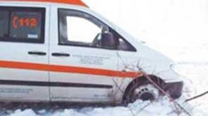 Ambulanţele ajung foarte greu la bolnavi