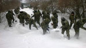 Armata se luptă cu zăpada în toată România