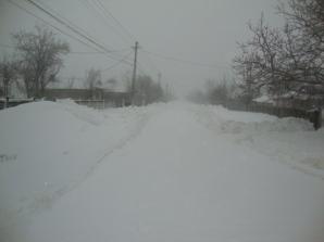 Cod portocaliu: Munţi de zăpadă viscolită