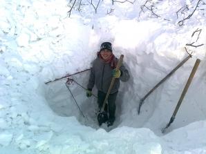 În localitatea Smeeni, oamenii se pozează cu casele îngropate în zăpadă.