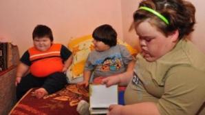 Cei trei fraţi au devenit obezi încă din primele luni de naştere