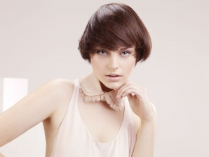 Tendinţa primăvară-vară pentru păr scurt. Hairstyle: Laurent Tourette