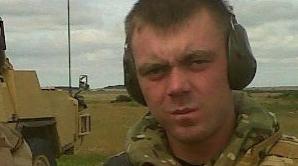 Mesajul pe Facebook al unui soldat înainte de a muri pentru mama sa: Nu-ţi fă griji, voi fi ok!