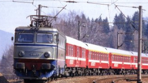 ACCIDENT TERIBIL. Un tren a lovit un TIR la Bistriţa