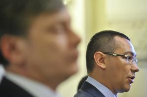 Liderii USL, în şedinţă pentru definitivarea Cabinetului. La reuniune participă şi Voiculescu / Foto: MEDIAFAX