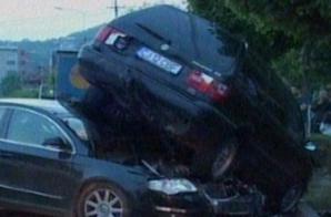 Accident spectaculos la Cluj Napoca: cinci maşini, zdrobite de un TIR